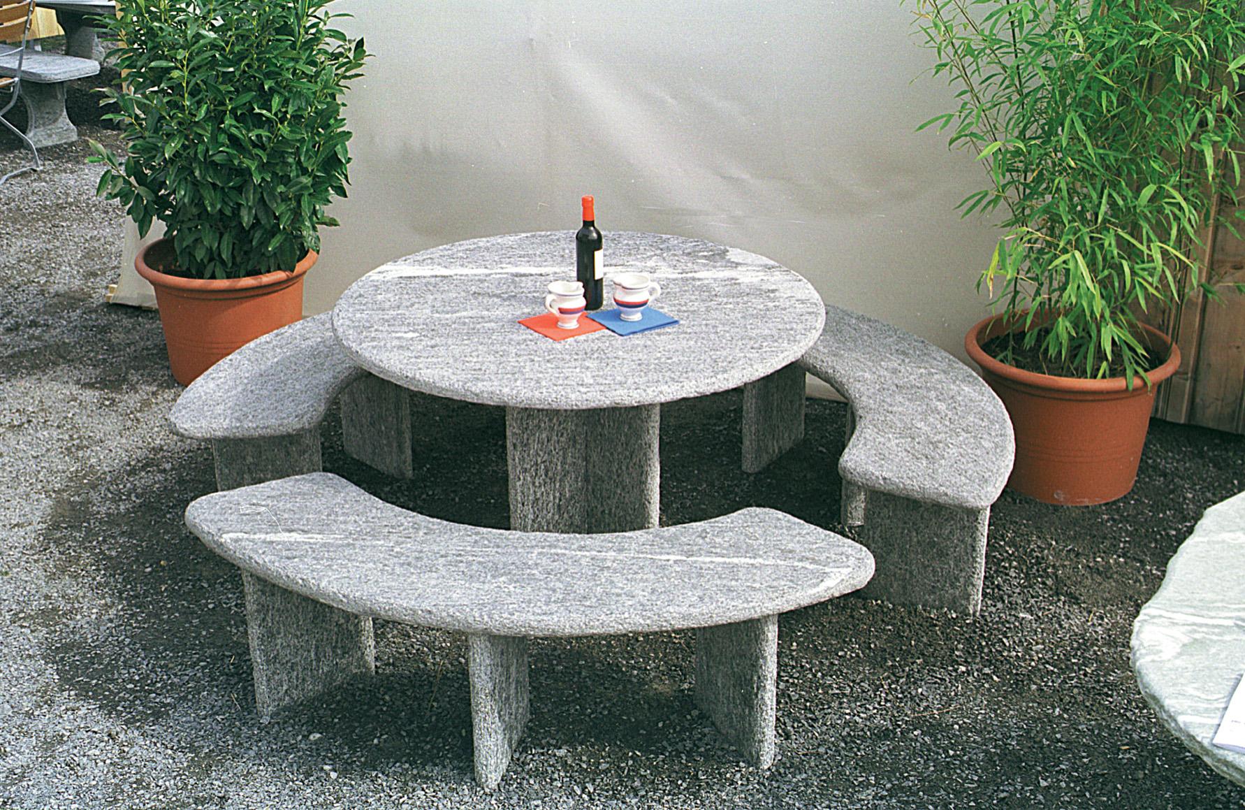Granittisch Fur Den Garten Natursteintisch