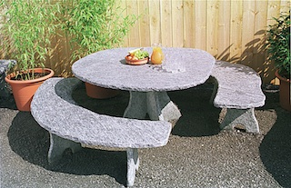 granittisch f r den garten natursteintisch. Black Bedroom Furniture Sets. Home Design Ideas